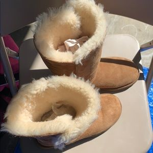 Ugg Womans Bailey Button Boots